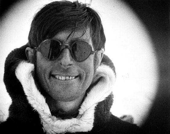 Knud Rasmussen m solbriller