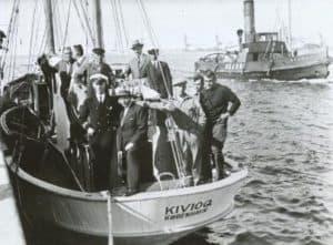 Knud Rasmussen på KIVIOQ i byggeåret 1933