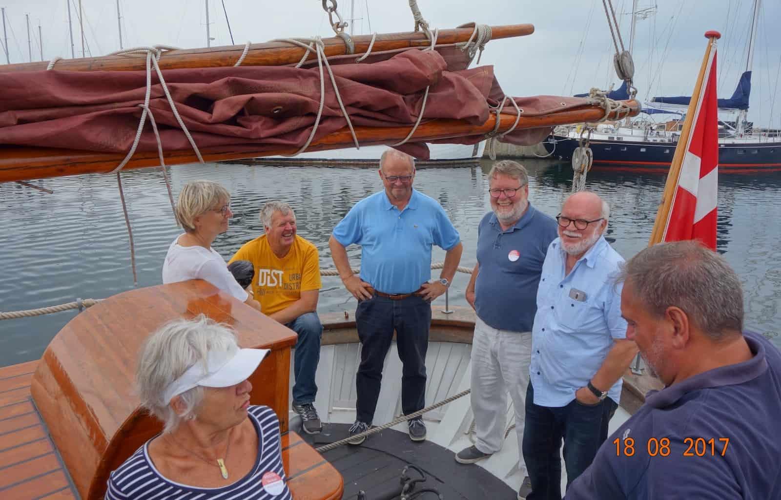 Ved Åbent Skib arrangementet på KIVIOQ var bl.a. havneformand Børge Larsen, borgmester Steen Hasselriis og havnefoged Søren Brink ombord