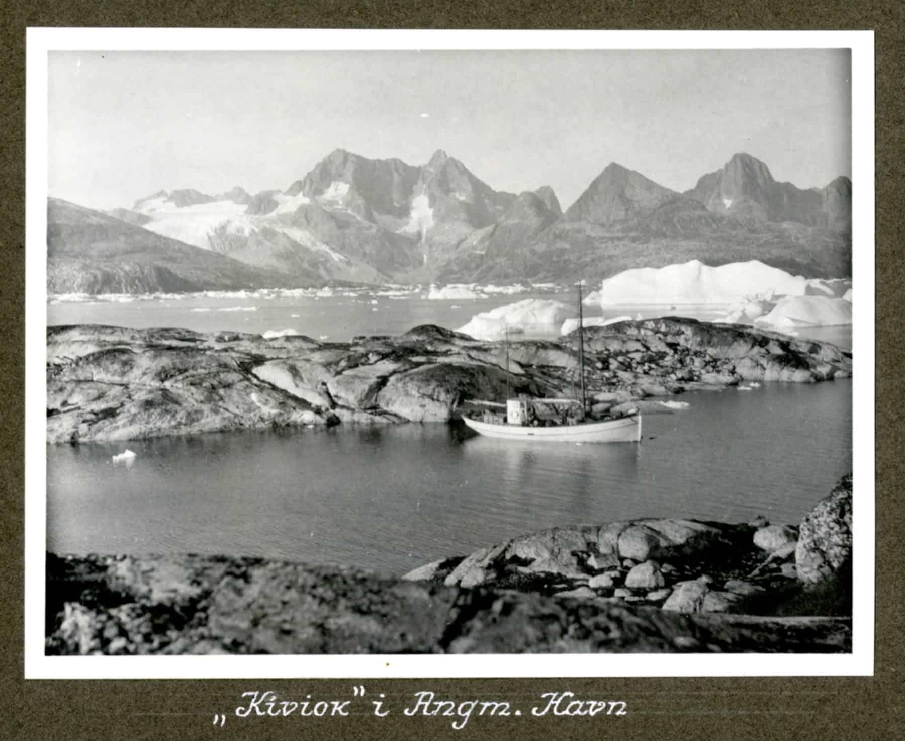 Kivioq foto fra Knud Rasmussen Arkivet - 8
